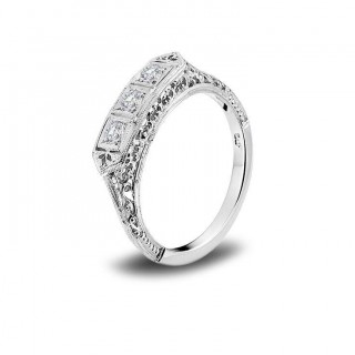 http://www.sachsjewelers.com/upload/page/page_product/140613610510306739_694989893869656_6992524349542700693_n.jpg