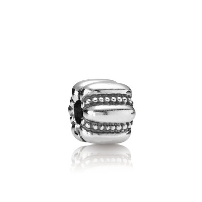 Pandora Charm  Style# 790446